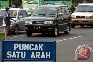 Libur Idul Adha, lalu lintas di Puncak satu arah