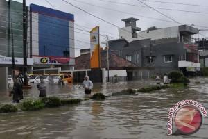 Riau siaga darurat banjir dan longsor