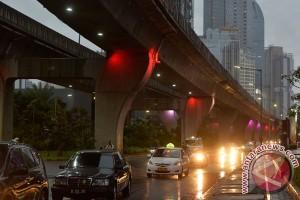 Hujan sedang-lebat diprakirakan guyur Jakarta Minggu malam