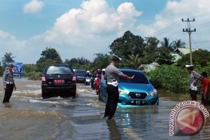 BENCANA BANJIR - Jalan Pekanbaru-Kampar macet parah