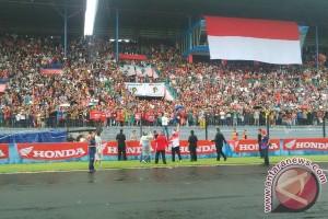 Kado Valentine dari Marquez dan Pedrosa untuk fans di Sentul