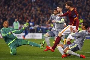 Dzeko cetak dua gol saat Roma libas Crotone 4-0