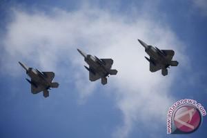"""Jet tempur """"siluman"""" F-22 AS pamer kekuatan di Korsel"""