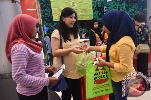 Education crucial to success of plastic bag charge policy: Observer