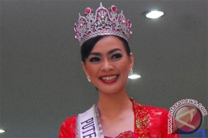 Kesan Kezia Warouw jadi Miss Phoenix Best Smile 2016 (video)
