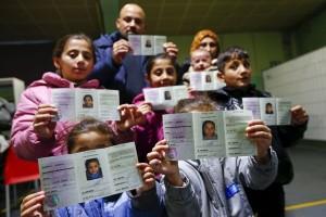 Ribuan migran tertahan di perbatasan Yunani