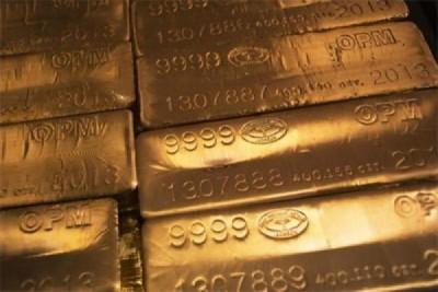 Harga emas naik karena pelemahan ekuitas dan dolar AS