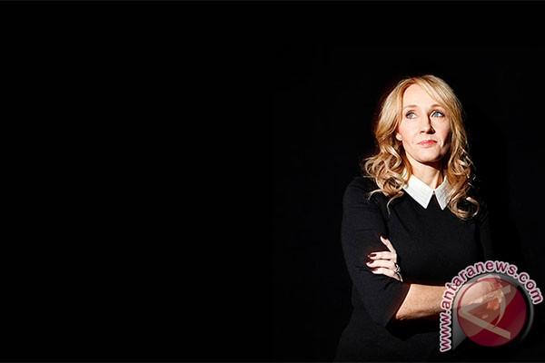 J.K. Rowling Kecam Komentar Rasis Soal Hermione Berkulit Hitam