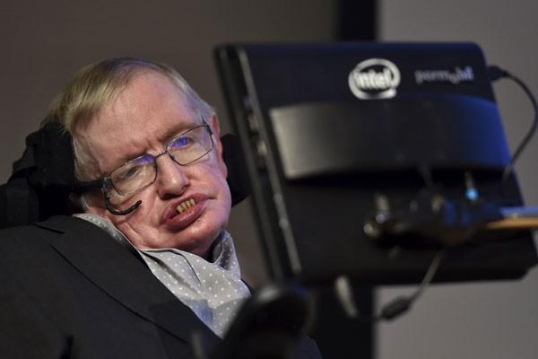 Stephen Hawking bicara wanita terkuat hingga misteri cinta sejati