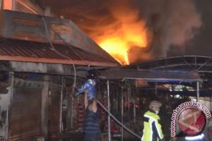 Pasar Badung Denpasar terbakar