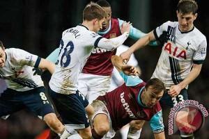 Klasemen Liga Inggris, Hotspur gagal gusur Leicester