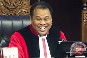 MK tolak permohonan uji UU Pengadilan HAM