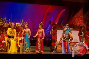 Teater Koma sukses pentaskan Semar Gugat
