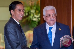 OIC Summit - President Jokowi greets Summit participants