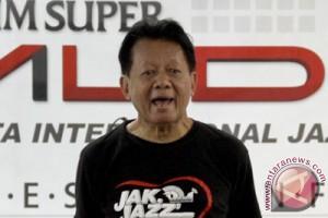 """""""Jazz Gunung"""" beri penghargaan Ireng Maulana"""