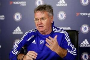 Hiddink jadi penasihat Chelsea musim depan