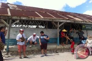 Tak hanya demi GMT, turis juga ke SD ikonik Laskar Pelangi