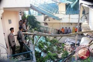 Lokasi dua korban tertimbun Hotel Club Bali terpetakan