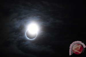 Rakyat AS suka cita sambut gerhana matahari total