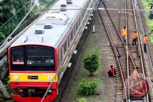 KRL lintas Bekasi terganggu akibat kabel persinyalan terbakar