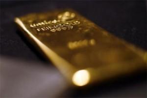 "Emas ""rebound"" setelah saham dan dolar AS melemah"