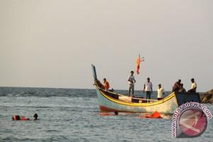 Tujuh wisatawan terseret arus di Aceh Selatan