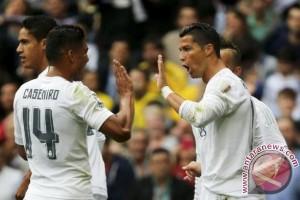 Gelandang Real Madrid Casemiro mengalami patah kaki