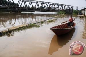 Jalur Bandung-Garut banjir, lalu lintas dialihkan hindari macet panjang