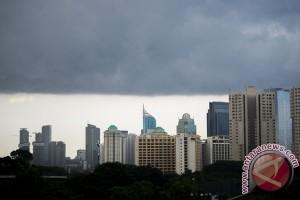 BMKG: isu puncak badai di Jawa bagian selatan tidak benar