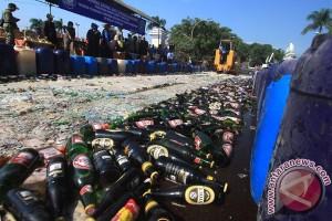 Polda NTB musnahkan 1.084 botol miras