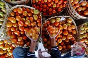 Macet total, pedagang sayuran raup untung