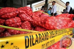 Polres Bengkalis gagalkan penyelundupan 35 ton bawang