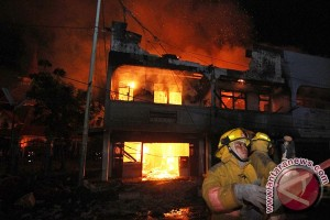 Pabrik mebel Rakabu Sejahtera milik keluarga Presiden Jokowi terbakar