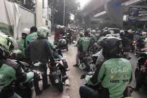 Cirebon larang transportasi daring beroperasi