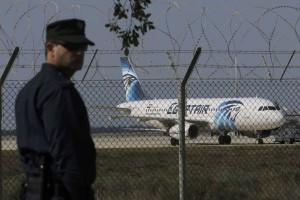 Pesawat Egyptair dibajak, dipaksa mendarat di Siprus