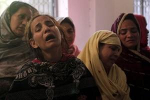 Bom bunuh diri tewaskan setidaknya tujuh orang di Pakistan