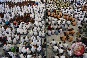 Ribuan jamaah doa bersama di Mapolrestabes Surabaya