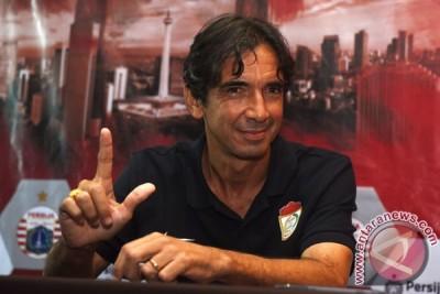 Luciano sertakan pemain muda hadapi Persela