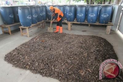 Pengelola Pasar Kota Banjarmasin olah sampah sendiri jadi kompos