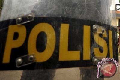 Brimob amankan pria mencurigakan di depan Mapolda Jateng