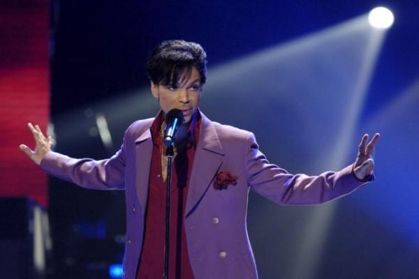 """Bruno Mars Tampil Dalam """"tribute"""" Untuk Prince Di Grammy"""