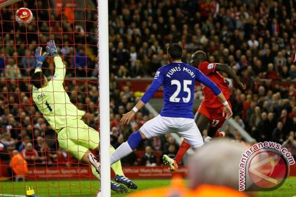 Palace dipinjami pemain Liverpool Mamadou Sakho