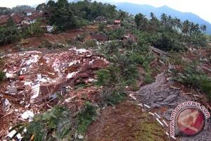 Bencana Longsor Clapar