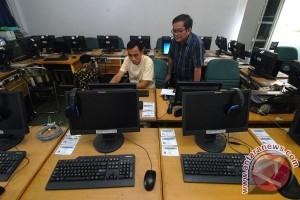 Sebagian peserta UNBK di Kupang panik saat listrik sempat padam