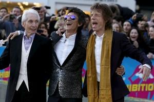 Gitaris Rolling Stones Ronnie Wood usia 68  jadi ayah anak kembar