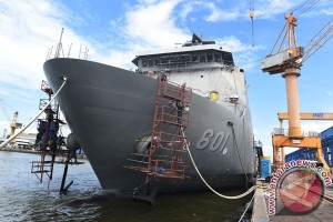Presiden Filipina inspeksi kapal perang buatan Indonesia