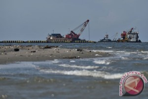 Government finally suspends Jakarta Bay reclamation project