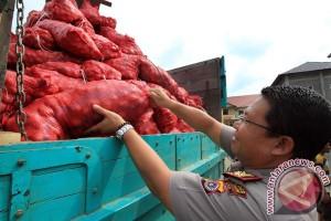 Polisi amankan 14 ton bawang merah ilegal