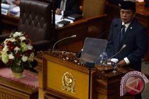 Pimpinan DPR lantik Andi Jamaro dan Baidowi