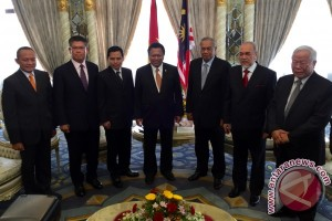 Wakil ketua MPR bahas TKI dengan ketua menteri Sarawak